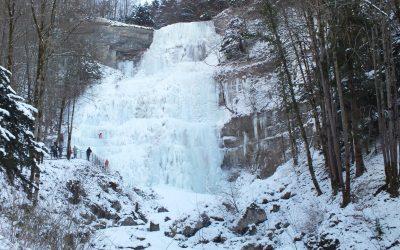 Cascade de l'Éventail en hiver